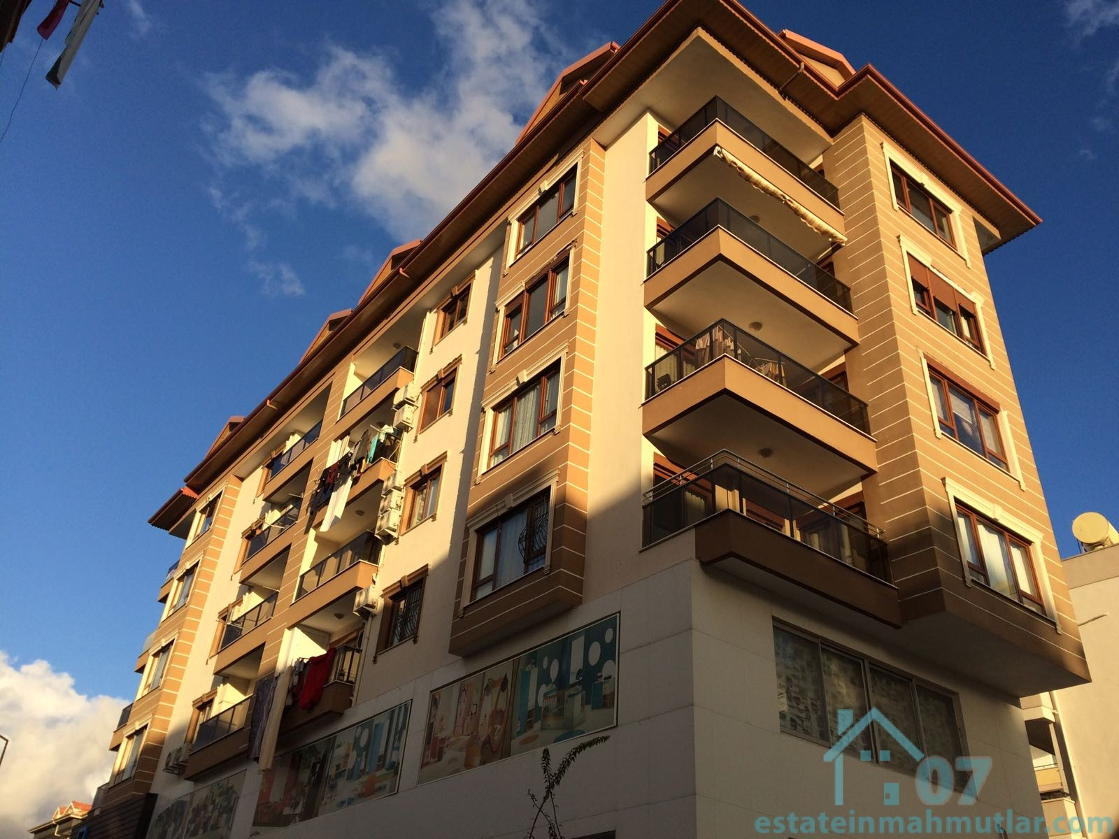 Spacious Three Bedroom Apartment with a Perfect Location in Alanya